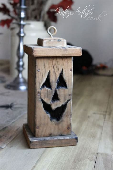 Halloween-Woodworking-Projects