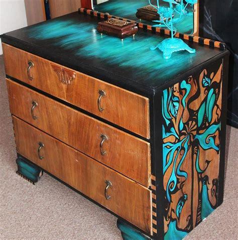 Hand-Painted-Furniture-Diy