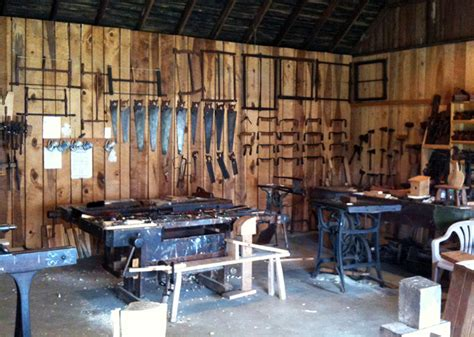 Hand-Tool-Only-Woodworking-Shop