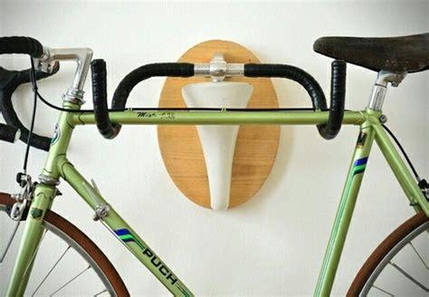 Handlebar-Bike-Rack-Diy