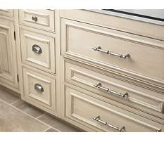 Best Hardware pulls and knobs cabinet