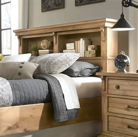 Headboard-Plans-With-Storage
