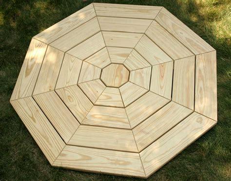 Hexagon-Picnic-Table-Plans-With-Umbrella