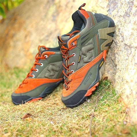 Hiking Shoes Men Outdoor Leather Sports Climbing Shoes