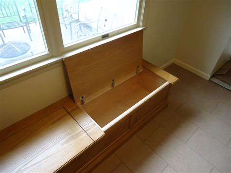 Hinged-Workbench-Plans