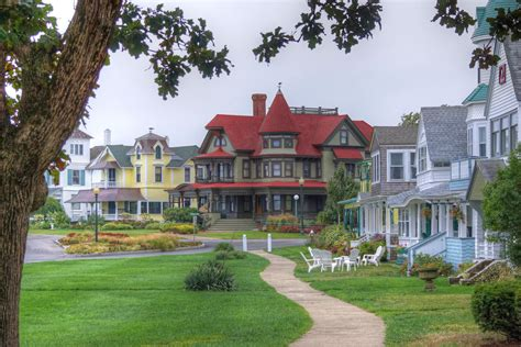 Historic Houses In Marthas Vineyard And How To See Jaws Location On Martha Vineyard