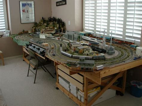 Ho-Scale-Train-Table-Plans