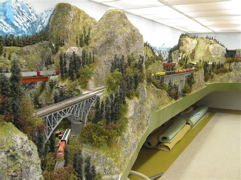 Ho-Train-Mountain-Layout-Plans