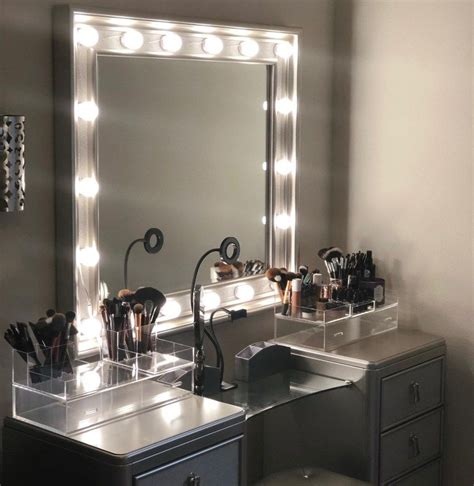Hollywood Style Vanity Diy