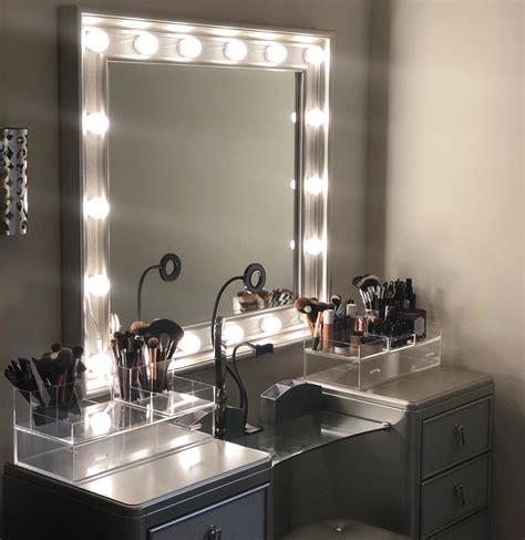 Hollywood-Style-Vanity-Mirror-Diy