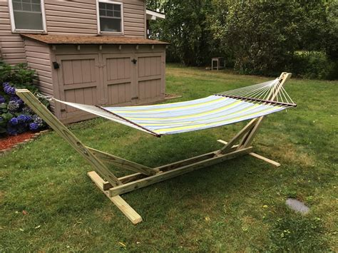 Homemade DIY Free Wood Hammock Stand Plans