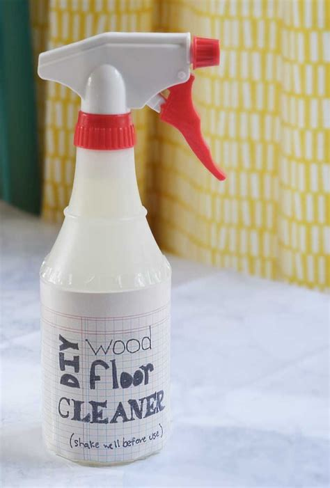 Homemade-Cleaner-For-Walls-And-Woodwork