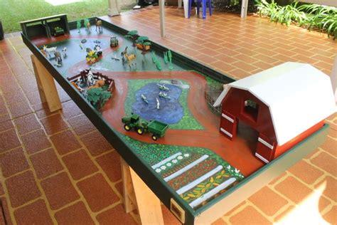 Homemade-Farm-Play-Table