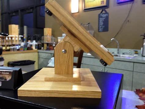 Homemade-Ipad-Stand-Wood