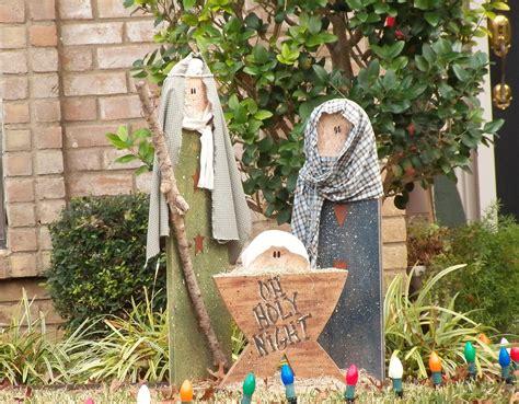 Homemade-Outdoor-Nativity-Scene