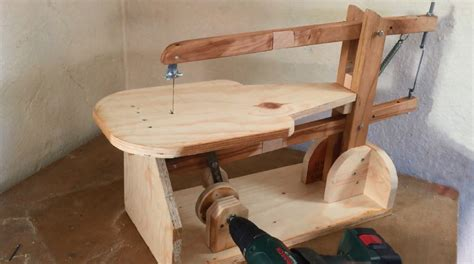 Homemade-Scroll-Saw-Plans-Drill-Powered