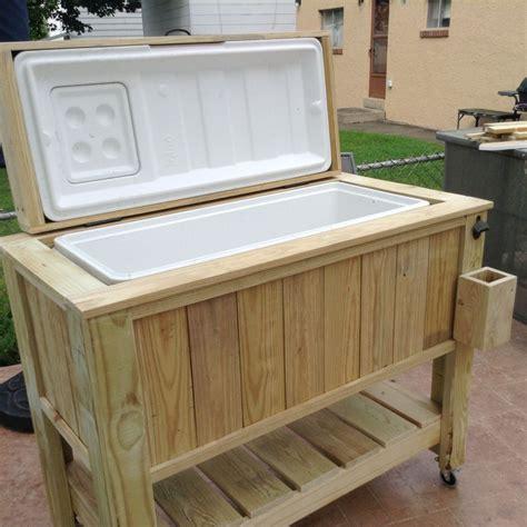Homemade-Wooden-Cooler-Plans