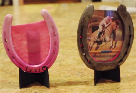 Horseshoe Picture Frame Diy