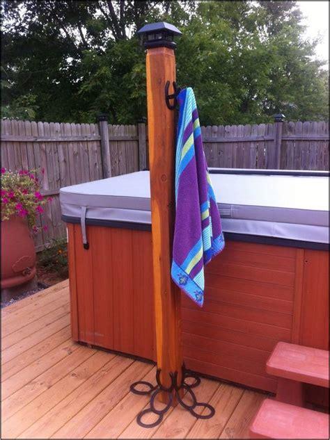 Hot-Tub-Towel-Rack-Diy