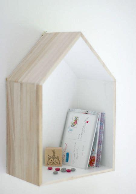 House-Shaped-Wall-Shelf-Diy