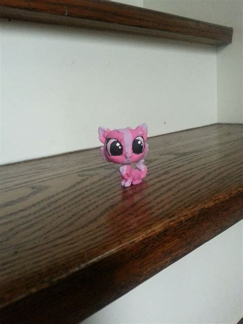 House-Wood-Wall-For-Lps-Diy