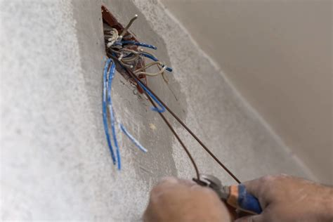 How Many Volts In 20 Amps