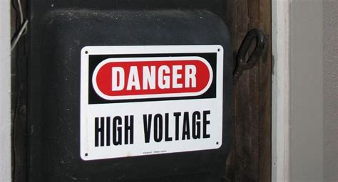 How Many Watts On A 15 Amp Breaker