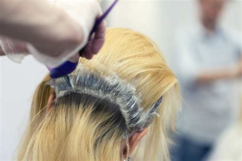 How To Apply Bleach To Roots Only