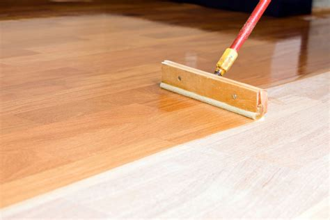 How To Apply Polyurethane Finish To Use A Door