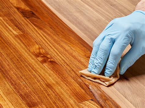 How To Apply Stain And Polyurethane In One
