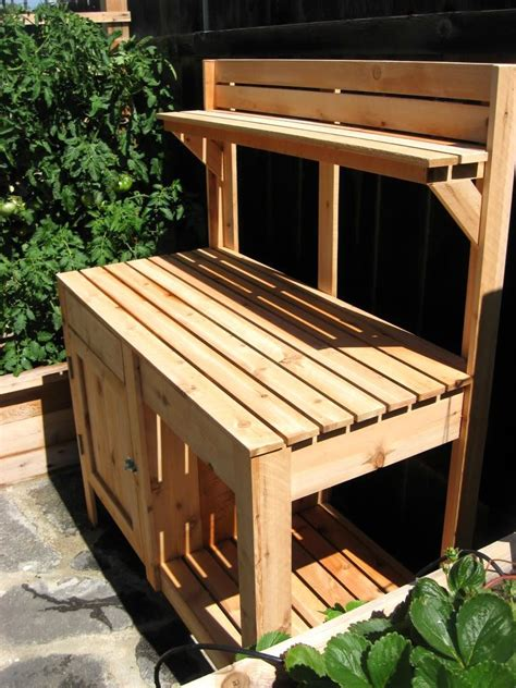 How To Build A Garden Table From Pallets