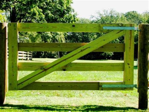 How To Build A Gate For A Fence For Horses