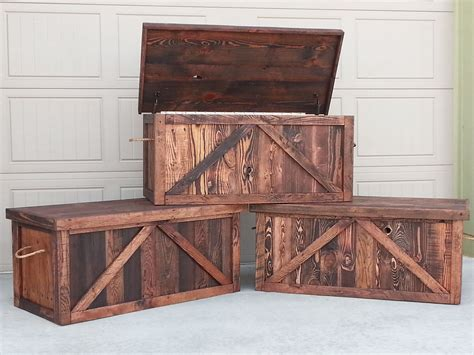 How To Build A Hope Chest Out Of Pallet Wood