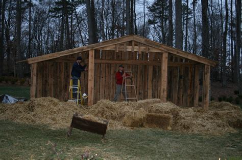 How To Build A Manger Scene For Stage