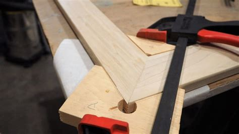 How To Build A Picture Frame Jig And V Corner