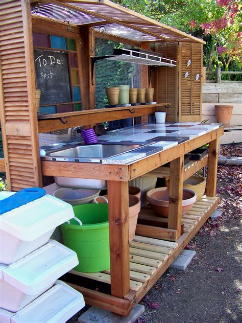 How To Build A Potting Bench From Pallets