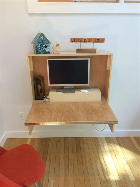 How To Build A Small Desk That Folds Up