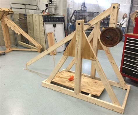 How To Build A Tabletop Trebuchet Projectile