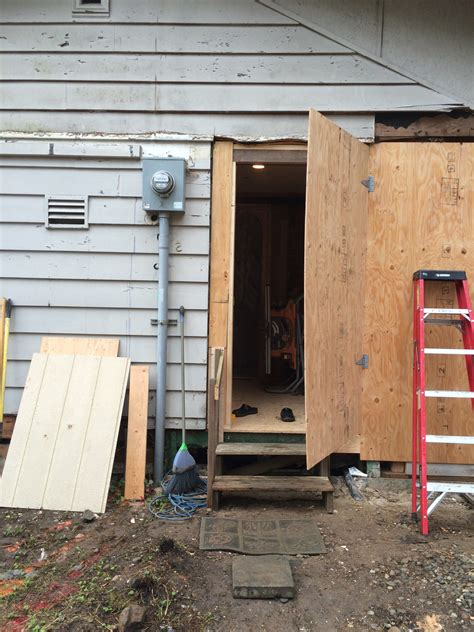 How To Build A Temporary Plywood Door