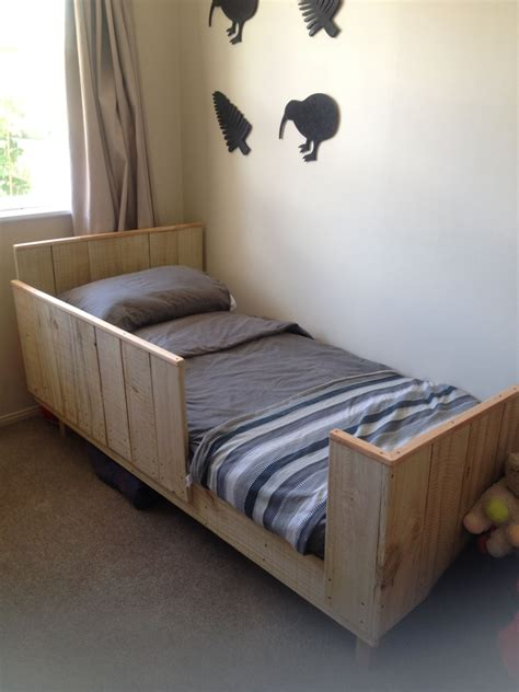 How To Build A Toddler Bed Out Of Wood