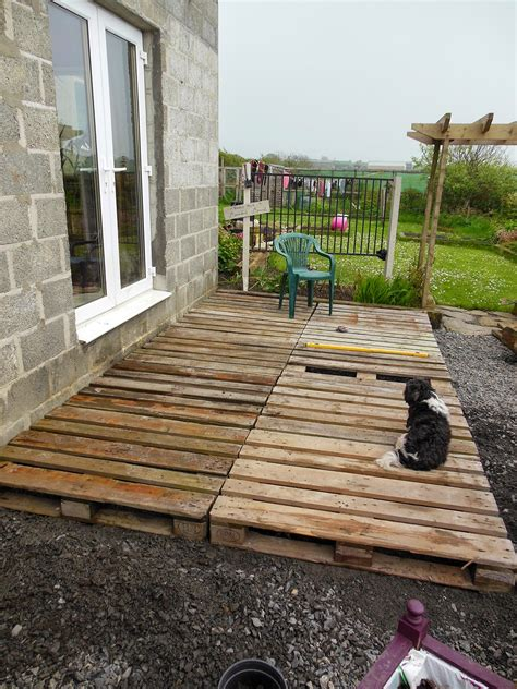 How To Build Decking From Pallets