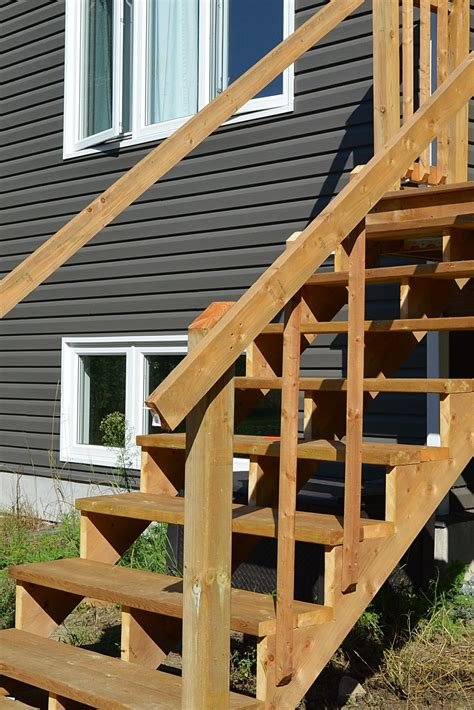 How To Build Handrails For Deck Stairs