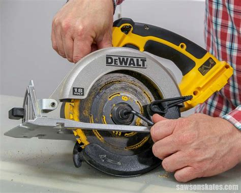 How To Change A Bosch Circular Saw Blade