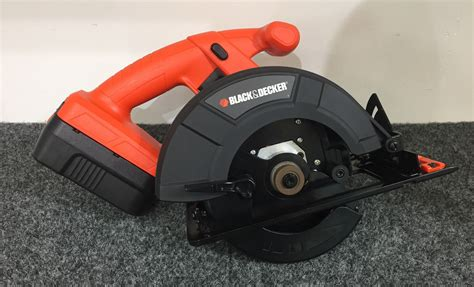 How To Change A Circular Saw Blade Black And Decker