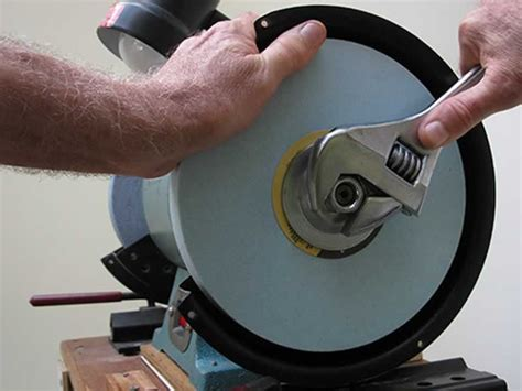 How To Change A Grinding Wheel On A Hercules Grinder