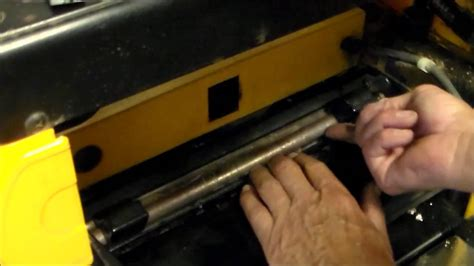 How To Change Planer Blades Dewalt 733