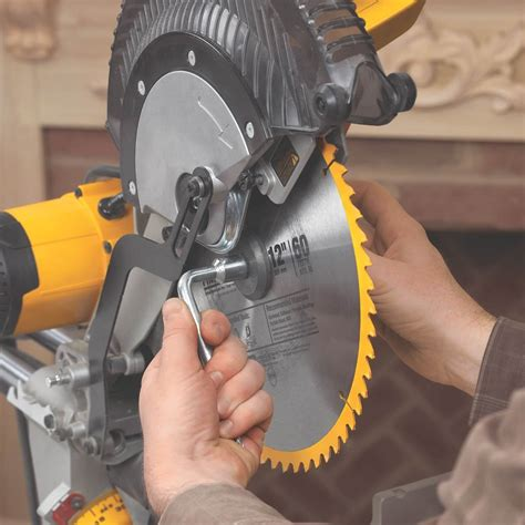 How To Change The Blade On A Dewalt Compound Mitre Saw