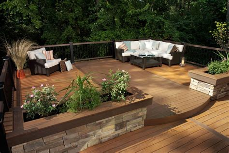 How To Choose Decking Material