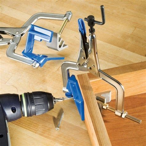 How To Clamp A Corner Joint