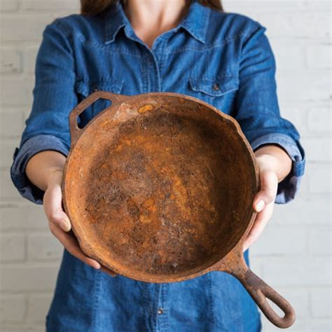 How To Clean Rust Off Cast Iron Frying Pan